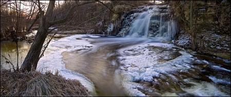 Limestone Waterfall Lemont 3